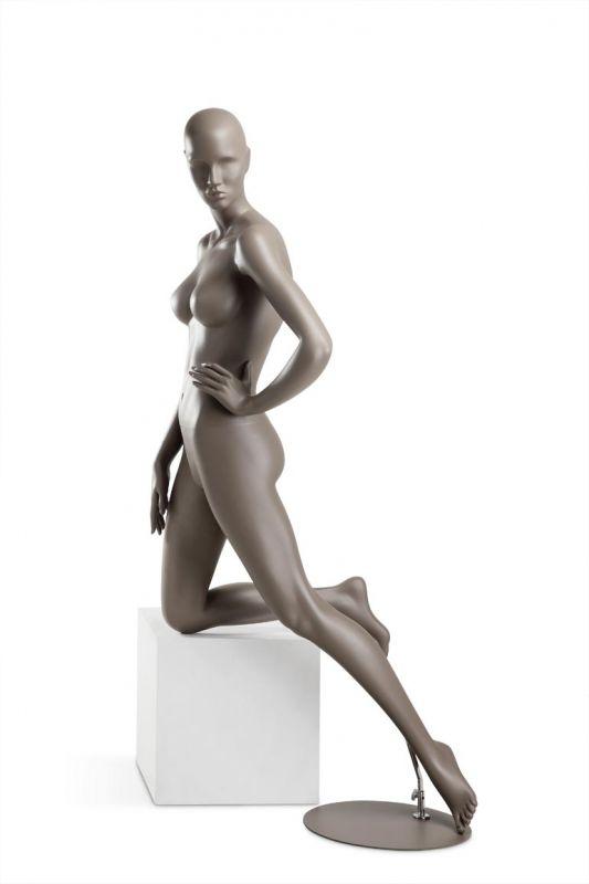 Dámská figurína Coy, figurína s lesklými rty, pozice C1105, barva RAL 7006