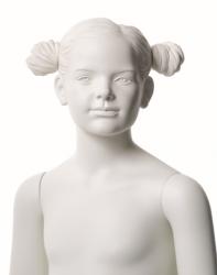 Q-Kids dětská figurína Alice 6 roků, postoj 2, prolisované vlasy, bílá